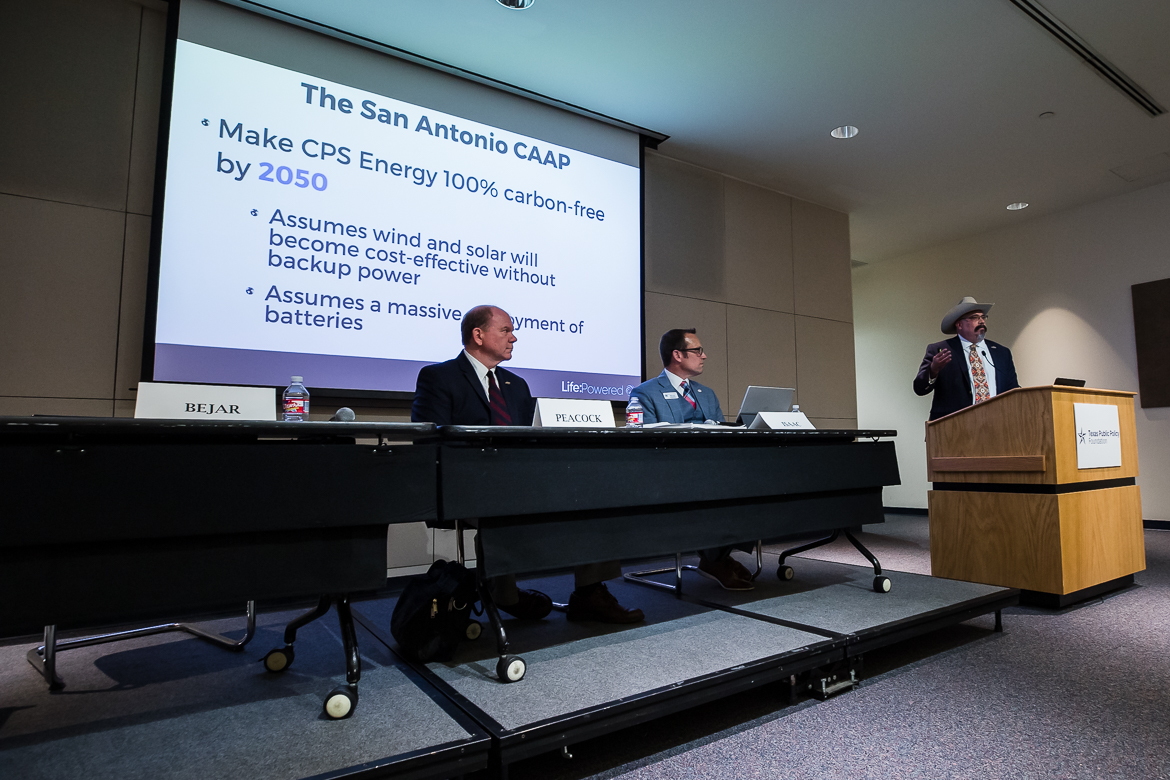 Rafa Bejar, Director of Outreach of the Texas Public Policy Foundation presents at the San Antonio's Climate Change Gamble at the Central Library on June 12, 2019.