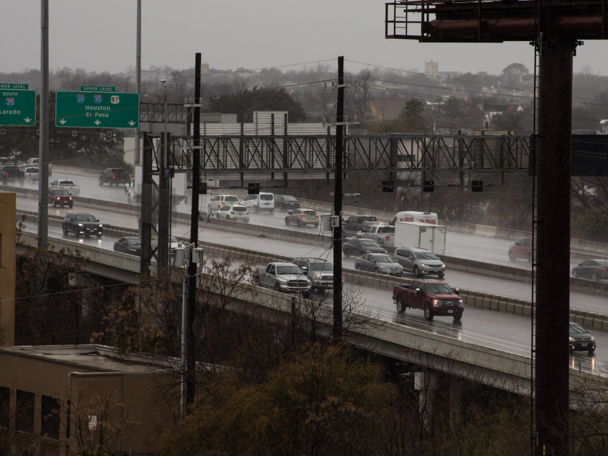 Inclement weather conditions (rain and freezing temperatures) hit San Antonio on February 11, 2021. Photos of Highways 281 N I-35.