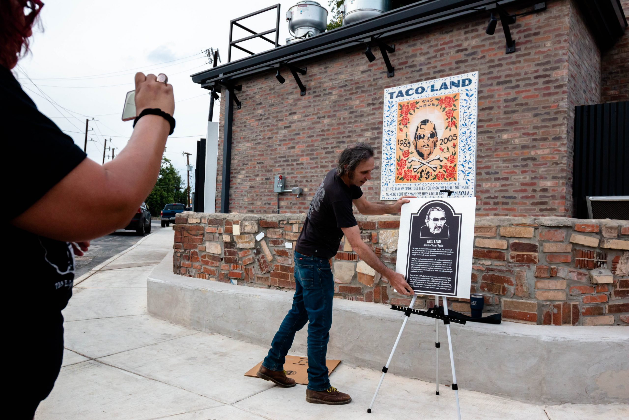 With help from locals, Velvet Taco honors an irreplaceable San Antonio music legend
