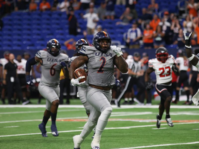 UTSA Outside Linebacker Charles Wiley scores a touchdown at the first home game against Lamar Saturday.