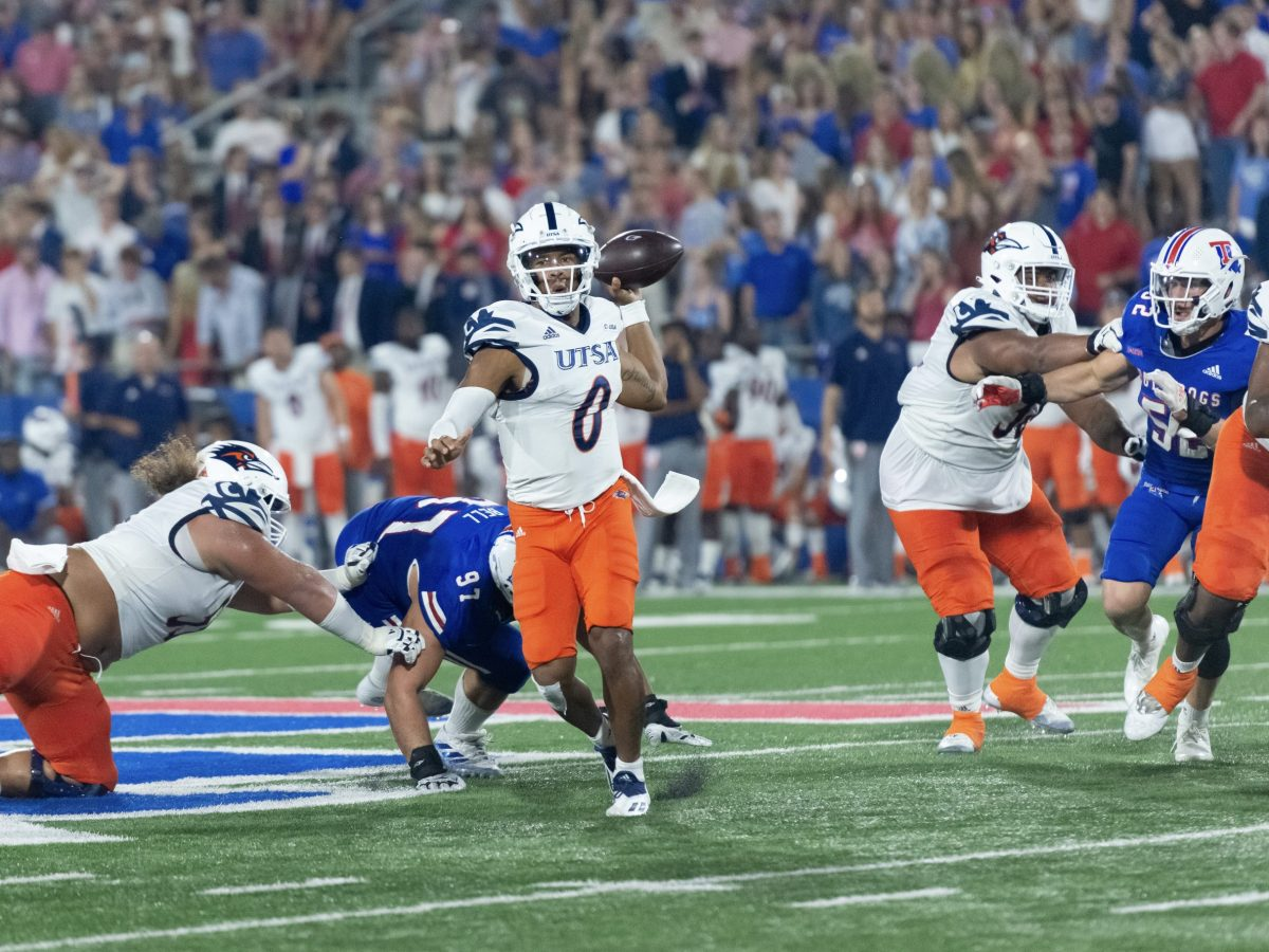 UTSA quarterback Frank Harris (0) looks to throw the ball against Louisiana Tech University where the Roadrunners won 45-16 at Joe Aillet Stadium in Ruston, Louisiana.
