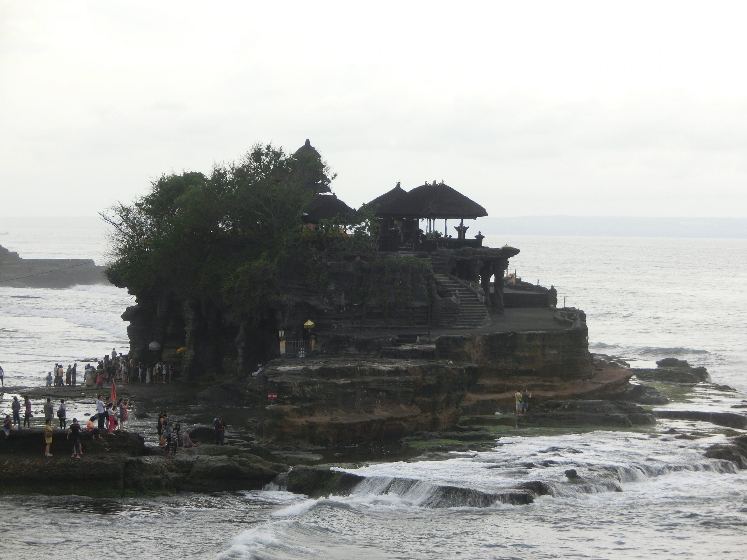 Read more about the article 峇里島景點-海神廟(Tanah Lot)
