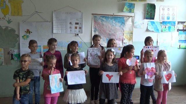 Volonteri 3 1024x576 - Volonteri iz Holandije uredili i okrečili prostorije škole u Starom Majdanu