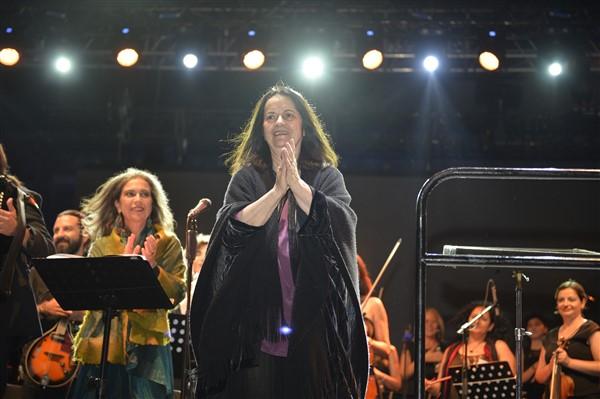 Troia'dan Eleni Karaindrou Geçti
