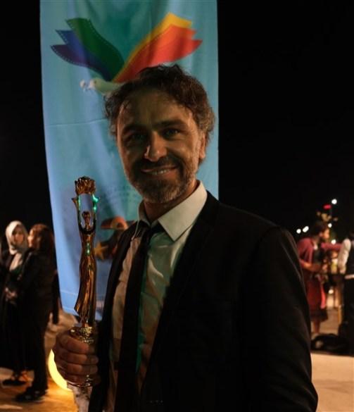 Ulusal Uzun Metraj FilmYarismasi - Yardımcı Rolde En Iyi Erkek Oyuncu Odulu - Serdar Orcin