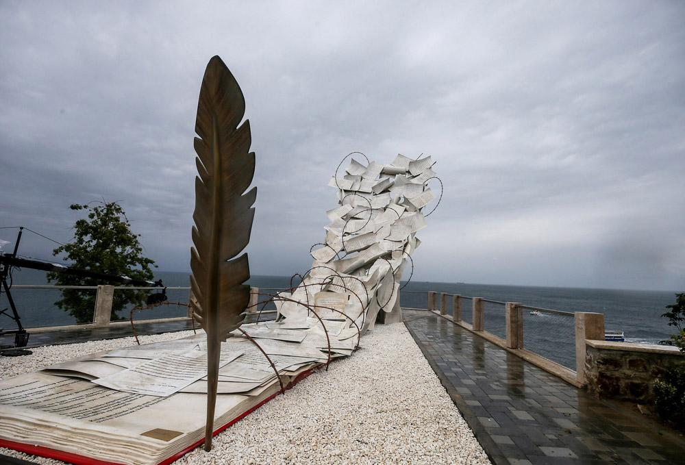 Demokrasi ve Özgürlükler Adası müzesi açıldı