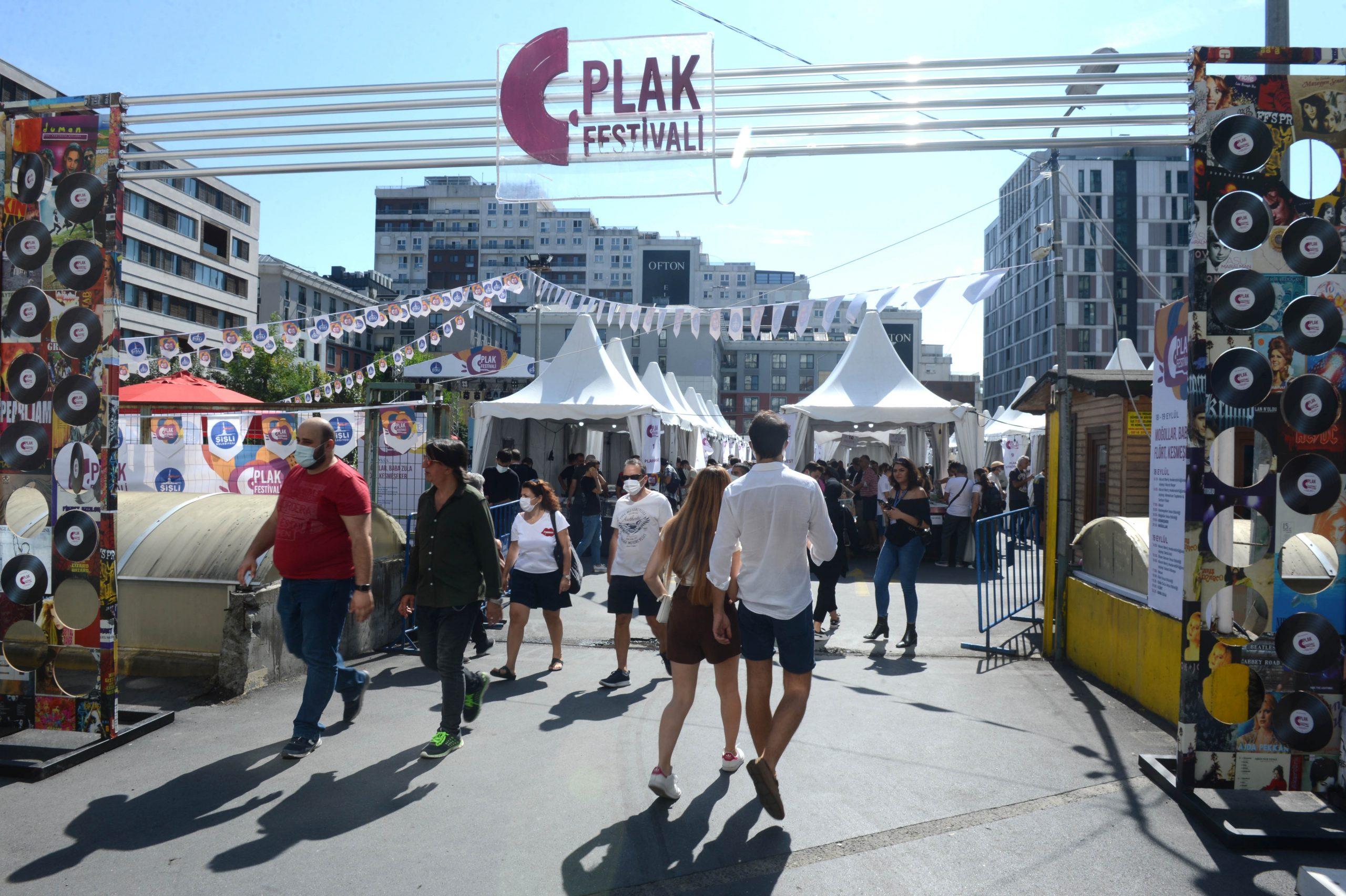 Şişli Plak Festivali Yoğun İlgi Gördü