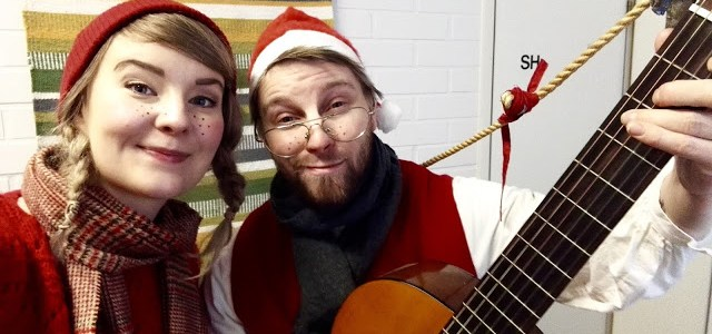 Tonttujen joulutoiveet -esitys vieraili Kypärämäen päiväkeskuksessa