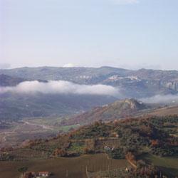 Sulla Castelvetere San Bartolomeo la frana non si ferma abitazioni a rischio
