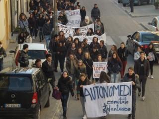 Dimensionamento scolastico: La protesta del comitato studentesco
