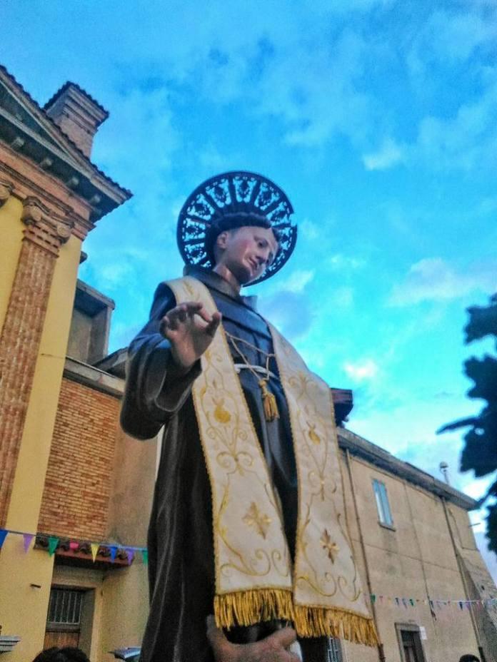 Statua di Sant'Antonio in processione il 13 giugno