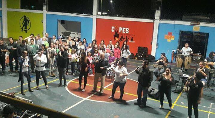 80 artistas sancarleños fusionan su talento para celebrar la Navidad en San Carlos
