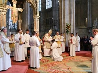 2017.04.30.-Priesterweihe-P.-Florian-und-P.Philemon-13-von-39