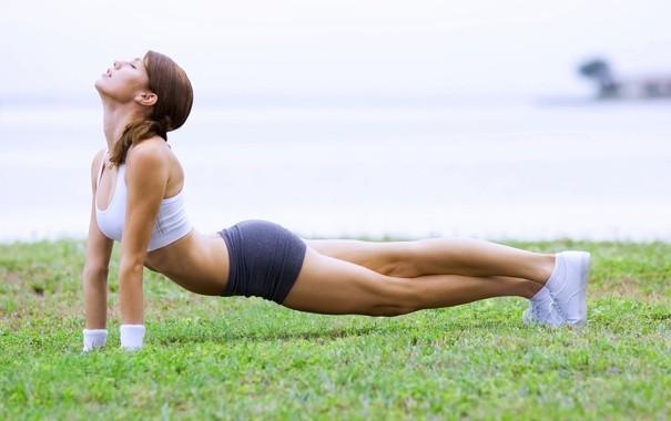 Фитнес-упражнения для похудения ягодиц в домашних условиях
