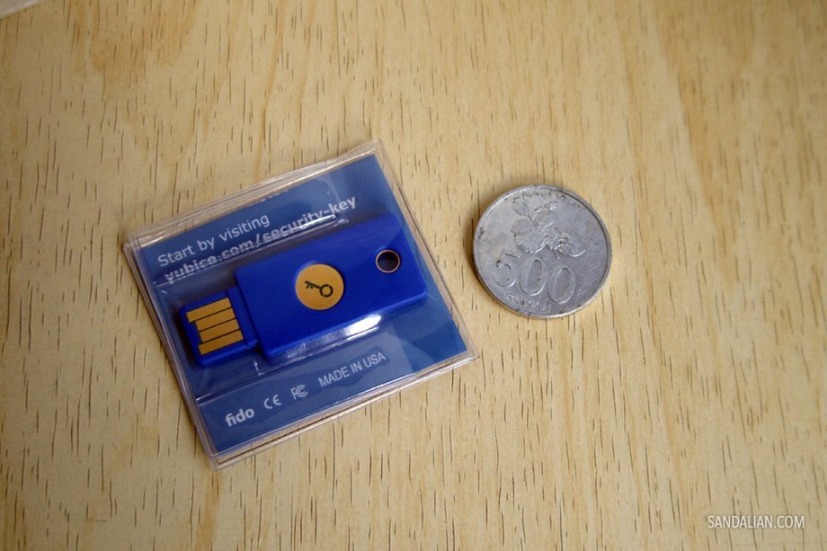 yubikey yubico security key packaging indonesian 500 coin