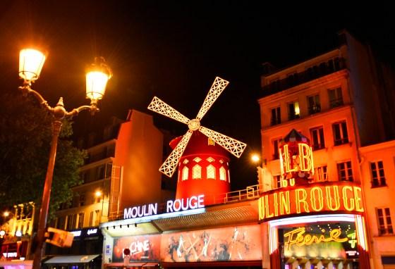 Moulin Rouge Fac¦ºade nuit -®Moulin Rouge-« - S.Bertrand