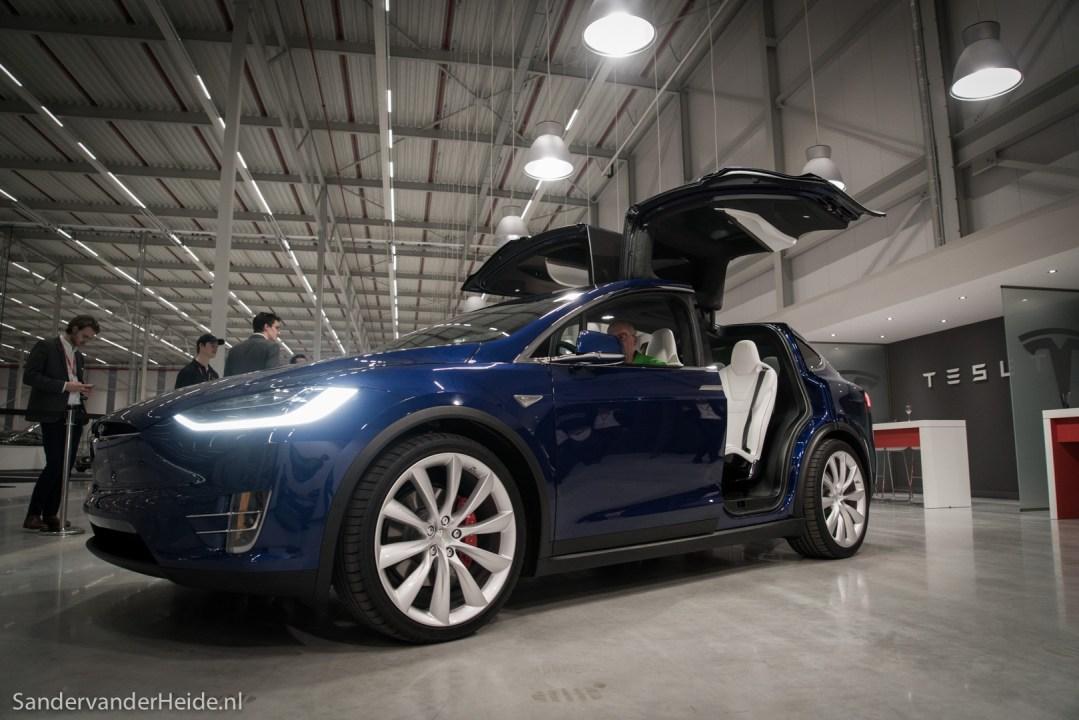 Tesla Model X in Tilburg