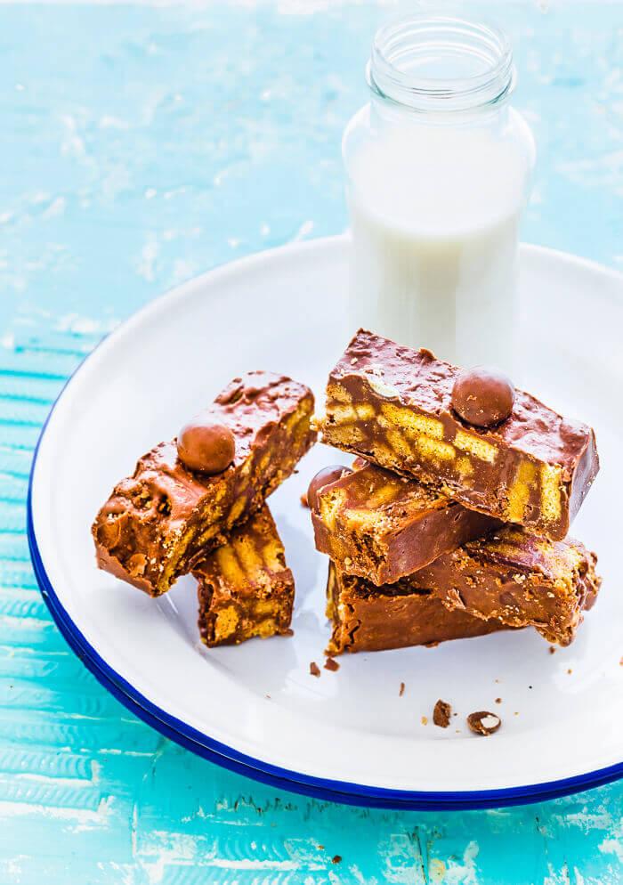 Chocolate Fridge Cake | No Bake Chocolate Biscuit Cake