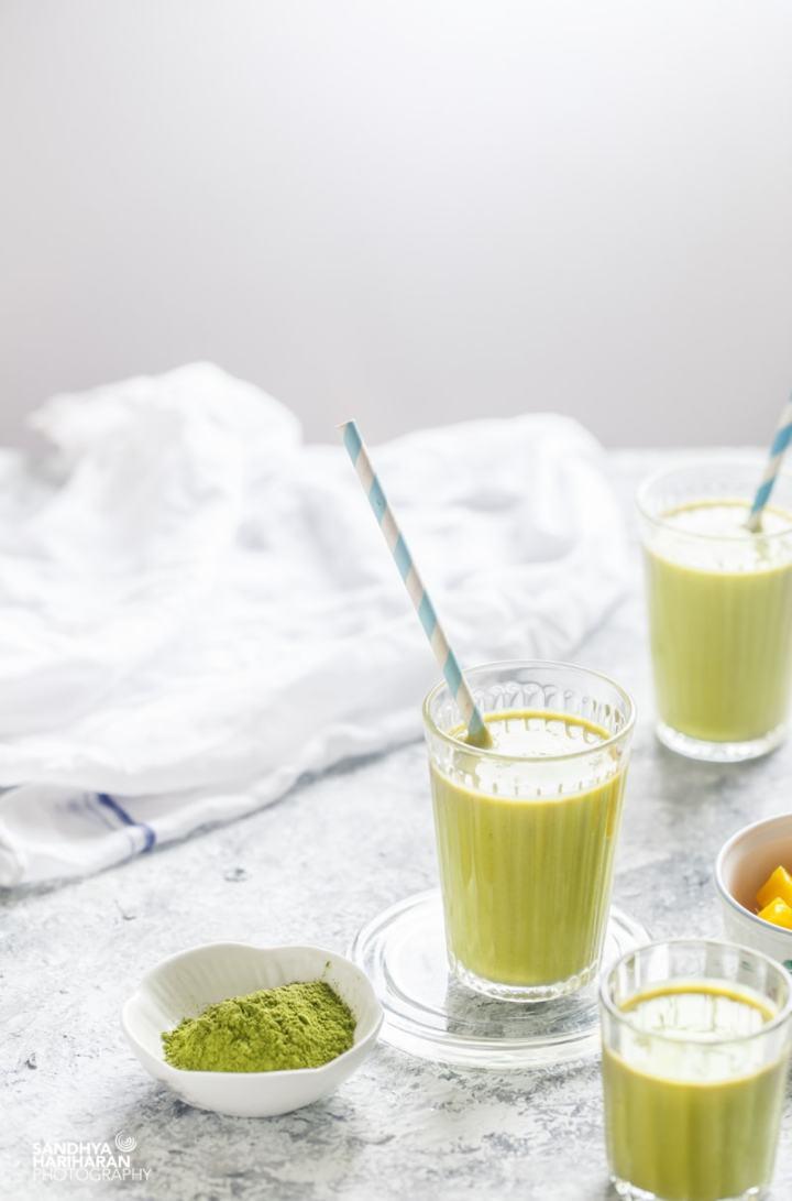Matcha Mango Oatmeal Smoothie