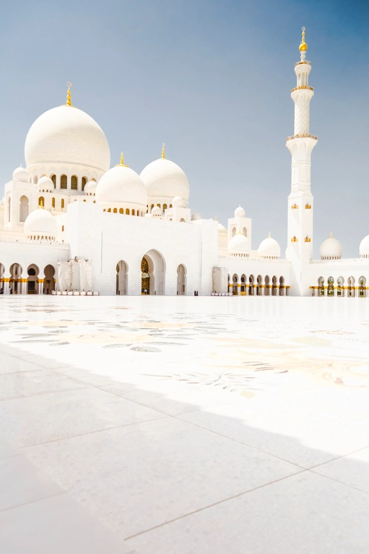 Sheikh Zayed Mosque   Top 8 Things to do in and around Dubai