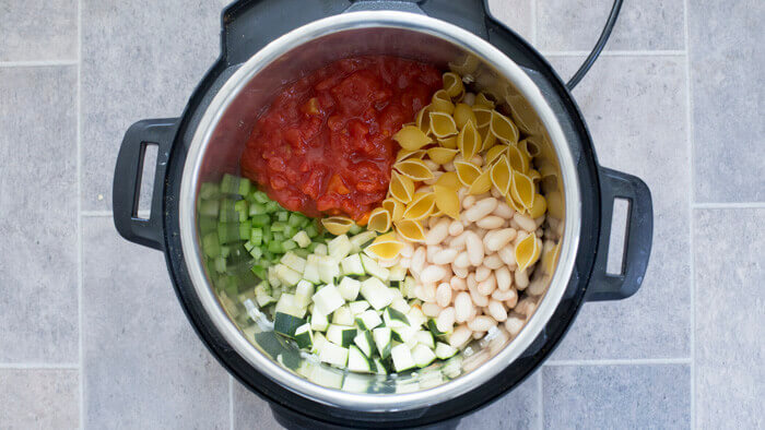 How to make Minestrone soup step by step