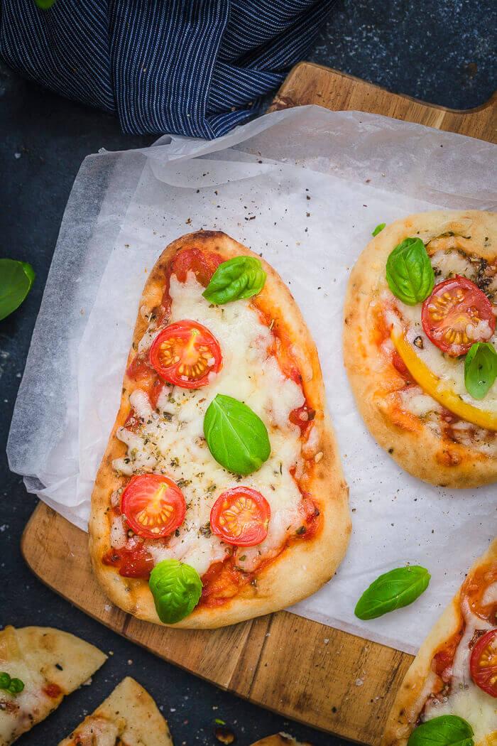 margherita flatbread pizza
