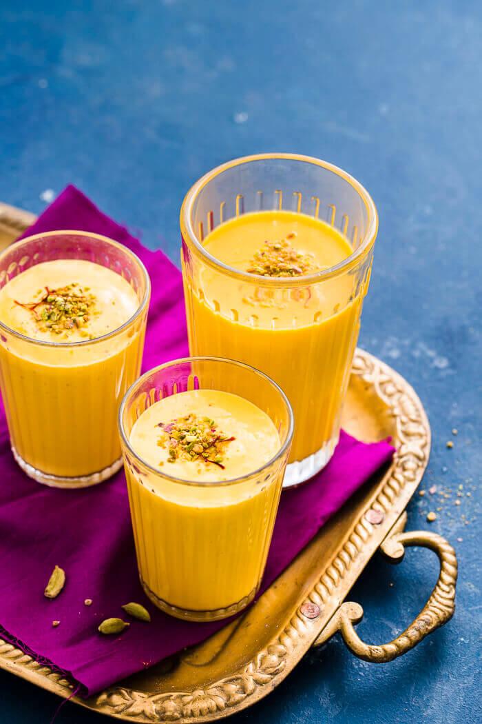 restaurant style Indian mango lassi image