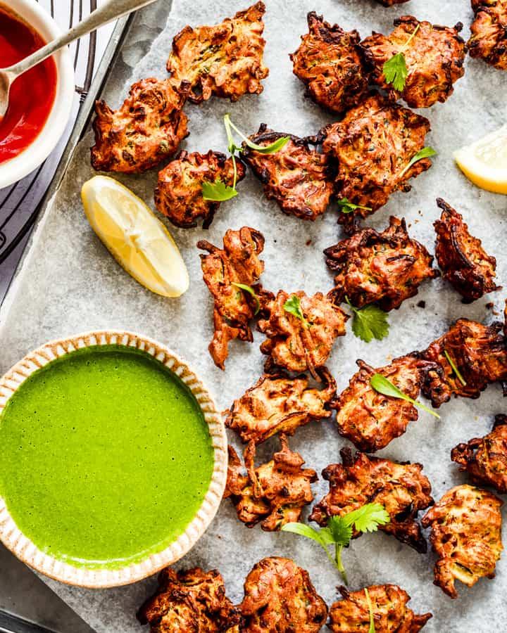 airfryer onion bhaji pakora with green chutney