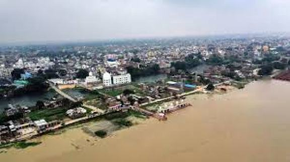 Ganga crosses danger mark in Bihar, minister seeks policy on silt ...