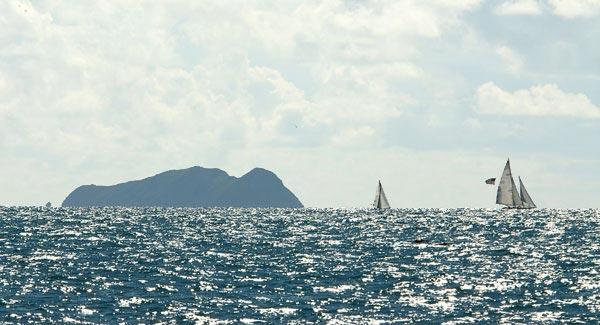 Coronado Islands seem leaving San Diego Bay