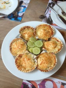 Baked scallops with crusted parmesean