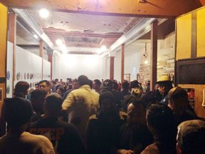 The masses of barrio art lovers showed up to the opening of La Bodega.