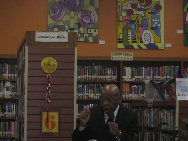 Congressman Lewis in the Oak Park Library