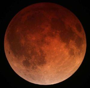 Lunar_eclipse_April_15_2014_California_Alfredo_Garcia_Jr1