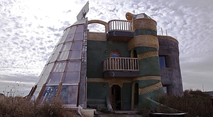 The Earthships Have Landed: Inside New Mexico's Off-Grid Community Made from Trash