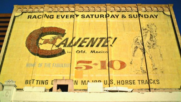 caliente racetrack sign