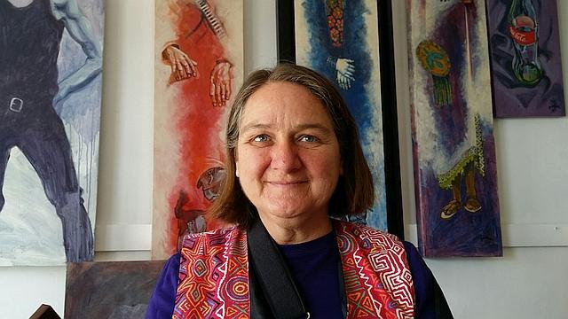 Headshot of Rocio Hoffman Silva in her studio