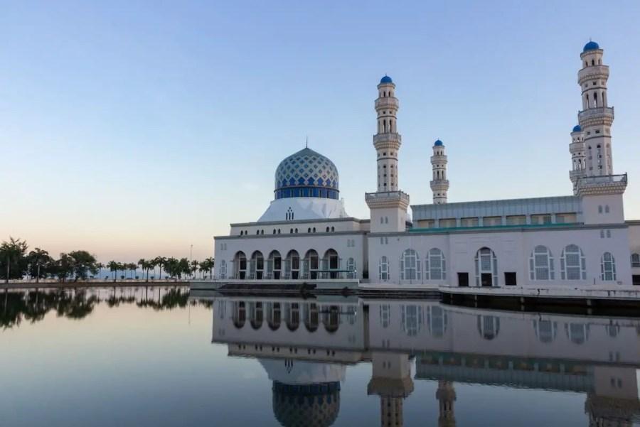 Mosque in Kota Kinabalu-reasons to visit Malaysia