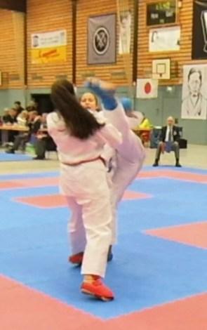 Saino-Cup-2019, U16 - Kumite Einzel weiblich, +54 kg, Maya Schirpke mit einem Mawashi Geri
