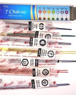 7 CHAKRAS – 7 pochettes dans chaqe paquet de 15g, avec des parfums différenciés par des couleurs végétales