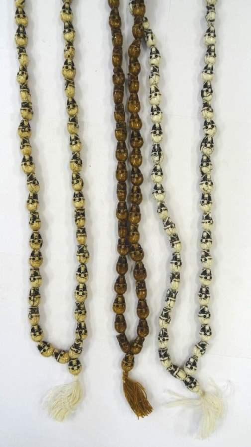 REF204E – CO MALA Tête de mort (perles PM en résine – 3 couleurs)