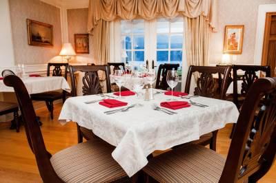Rowenas-Inn-Dining-Room-Rowenas-Inn-Dining-Room-0006