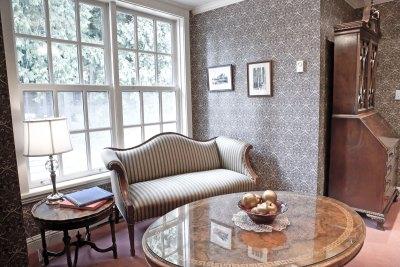 rowenas-sittingroom-03