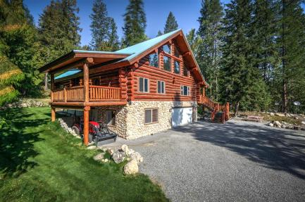 North Idaho Log Home
