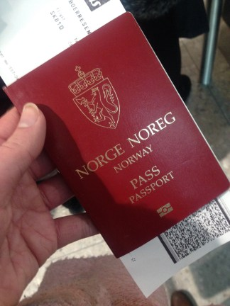 This is what the Norwegian passport looks like, for those who might wonder