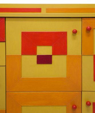 Kast met gekleurde vlakken versie 1