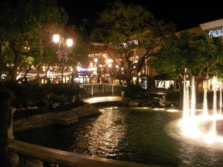 The Grove Mall, Hollywood