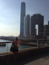 Ferry Terminal mit Sky100 im Hintergrund