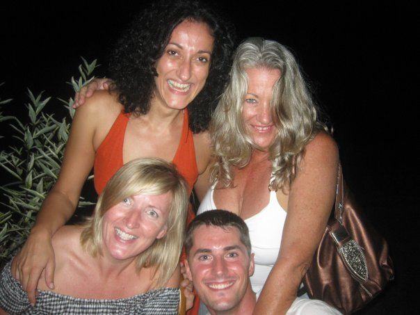 Party fun with Violeta, Mel and Lio ...