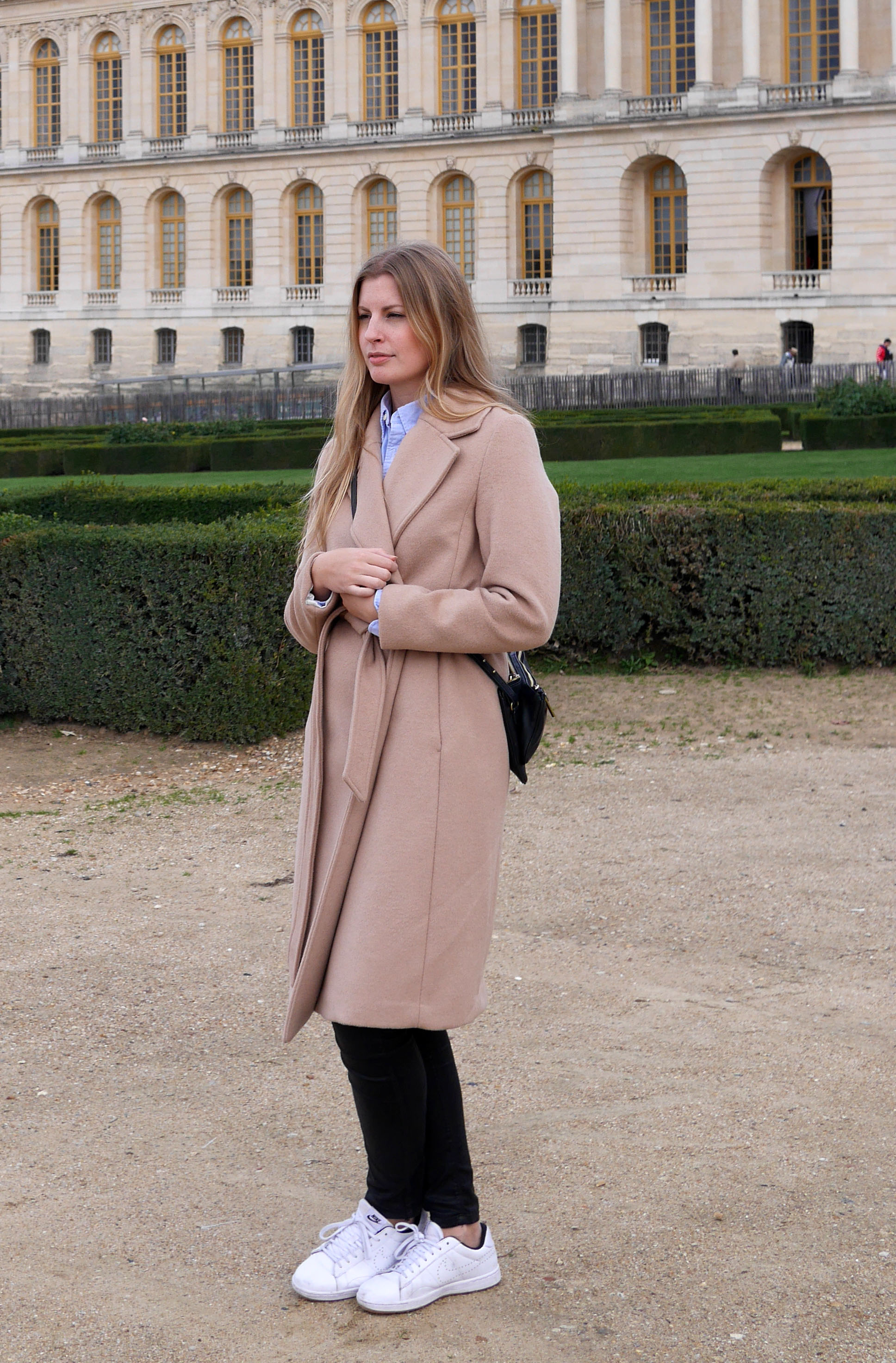 camel_coat_outfit